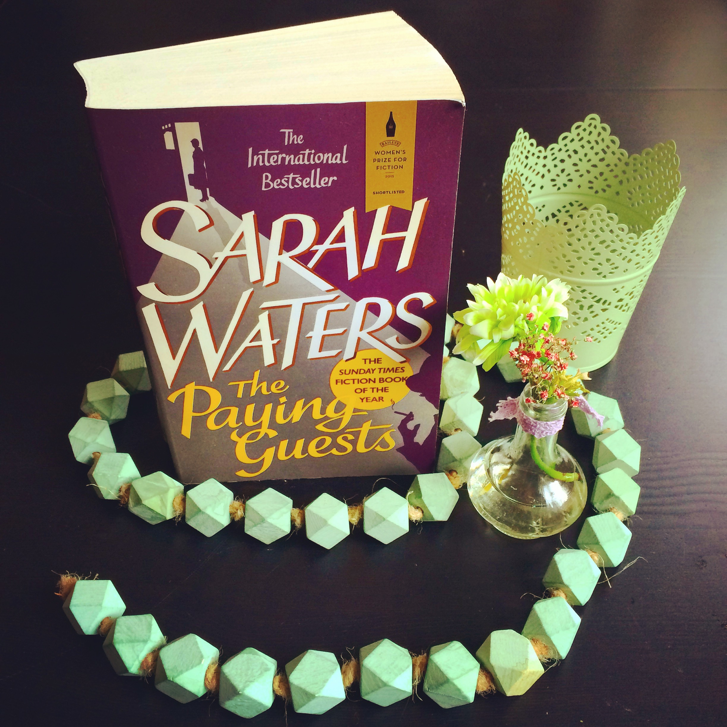 "Rezension des lesbischen Liebesromans ""The Paying Guests"" / ""Fremde Gäste"" von Sarah Waters"