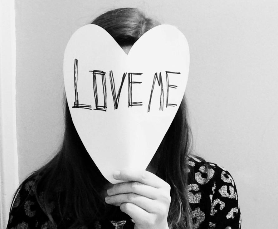 Von der Liebessuche am Grabbeltisch: Love Me.