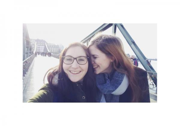 YouTuberinnen und lesbisches Liebespaar Abiszett und Cha Ginger