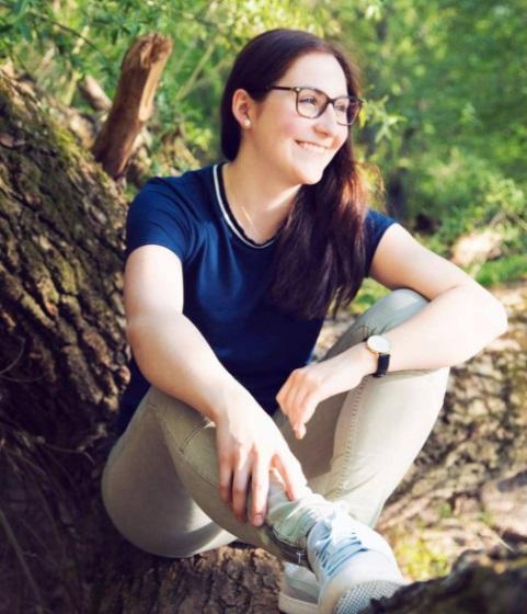 Abiszett alias Alicia Zimmermann